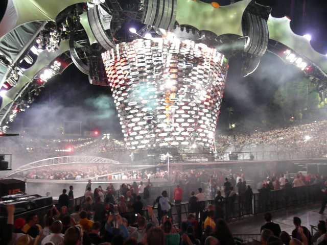 U2 360 Tour - The stage 3
